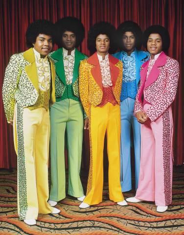 Michael-jackson-1975-ortadaki