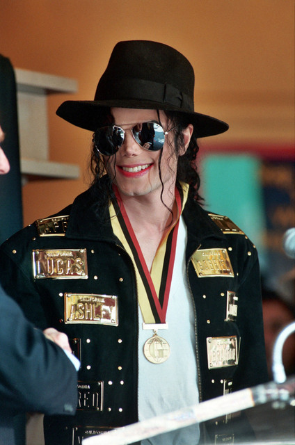 Michael-jackson-1993-2
