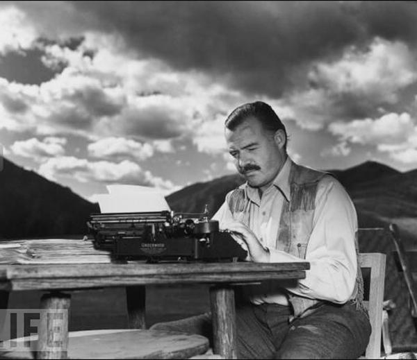 Ernest-Hemingway-1939