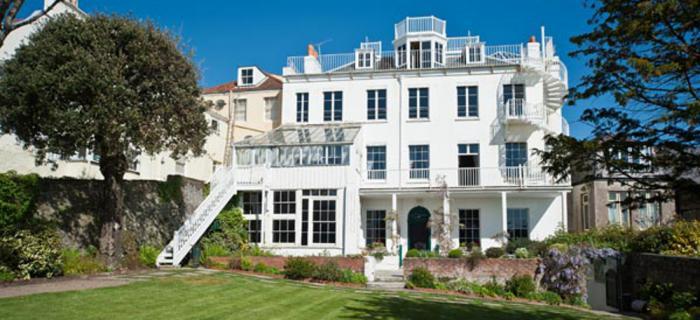 Victor-Hugo-Guernsey-Adasi-evi-