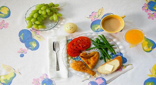 Harper-lee-bulbulu-oldurmek-romani-yemek-sofrasi