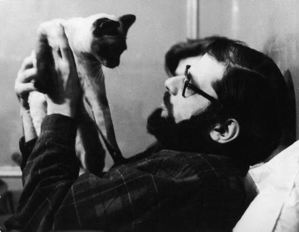 allen-ginsberg-and-cat