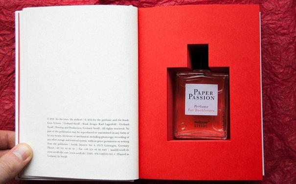 Kitap kokulu parfüm