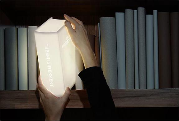Kitap şeklinde gece lambası