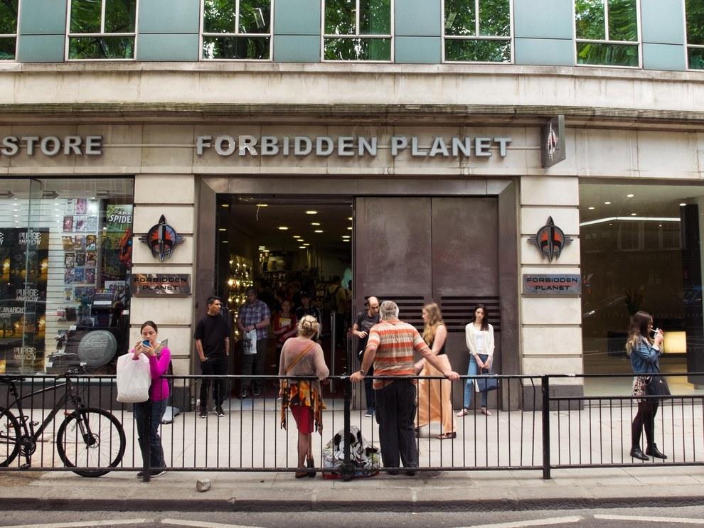 Forbidden-Planet-bookstore-london-1